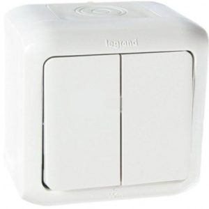 Legrand Quteo Выключат 2-клавишный IP44 10А цвет Белый